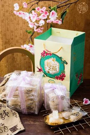 包装精美的皙之燕燕窝,也是送礼佳品。